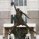 至高無上的尊榮表彰 運動球星雕像怎麼做?